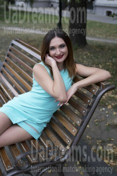 Victoria from Sumy 32 years - carring woman. My small public photo.