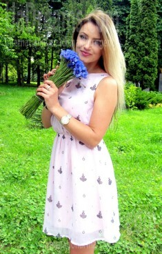 Iren from Rovno 34 years - natural beauty. My small public photo.