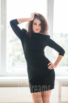 Elena from Kharkov 32 years - good girl. My small public photo.