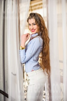Antonina from Ivanofrankovsk 22 years - single lady. My small public photo.