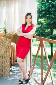 Yulichka from Lutsk 28 years - girl for marriage. My small public photo.