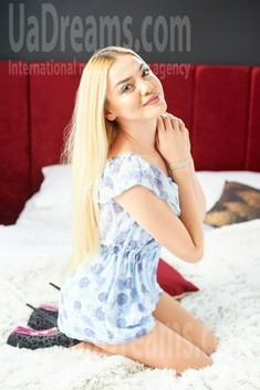 Anya from Ivanofrankovsk 22 years - sunny smile. My small public photo.