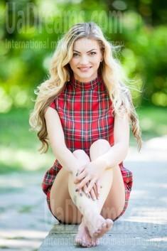 Christina from Ivanofrankovsk 28 years - creative image. My small public photo.
