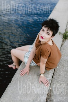 Alina from Kiev 27 years - girl for marriage. My small public photo.