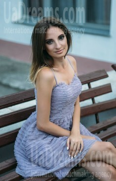 Irina from Sumy 29 years - clever beauty. My small public photo.