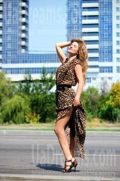 Vicky from Zaporozhye 36 years - sunny day. My small public photo.