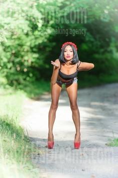 Milochka from Sumy 32 years - introduce myself. My small public photo.