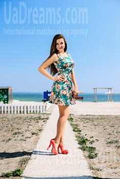 Olya from Cherkasy 19 years - single russian woman. My small public photo.
