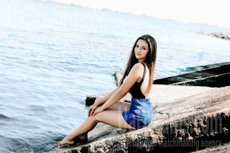 Olya from Cherkasy 19 years - introduce myself. My small public photo.