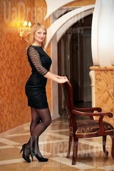 Oksana from Zaporozhye 37 years - waiting for husband. My small public photo.