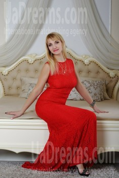 Oksana from Zaporozhye 38 years - eyes lakes. My small public photo.