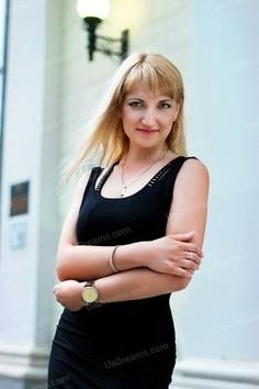 Oksana Zaporozhye 41 y.o. - intelligent lady - small public photo.