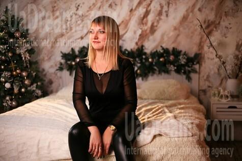 Oksana from Zaporozhye 40 years - Kind-hearted woman. My small public photo.