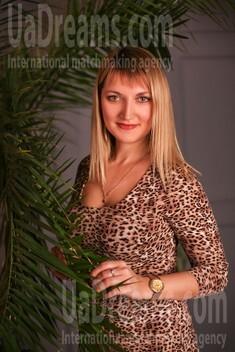Oksana from Zaporozhye 40 years - kind russian girl. My small public photo.