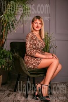 Oksana from Zaporozhye 40 years - Music-lover girl. My small public photo.