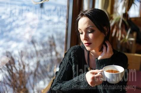Elena from Kremenchug 33 years - single russian woman. My small public photo.
