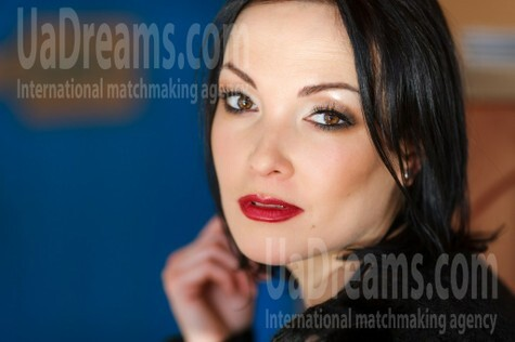 Elena from Kremenchug 36 years - loving woman. My small public photo.