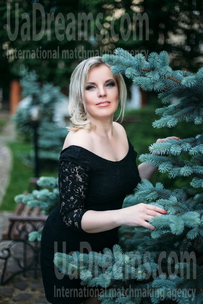 Irina from Sumy 36 years - waiting for you. My small public photo.