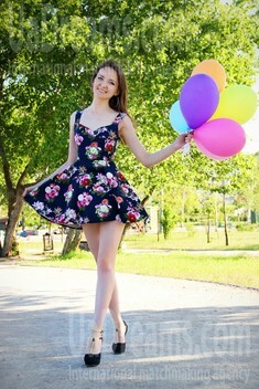 Tanya from Zaporozhye 29 years - desirable woman. My small public photo.