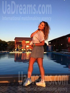 Elena from Poltava 27 years - hot lady. My small public photo.