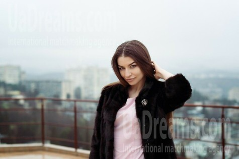 Anya from Kiev 25 years - wants to be loved. My small public photo.
