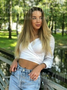 Yulya from Ivano-Frankovsk 27 years - sunny smile. My small public photo.
