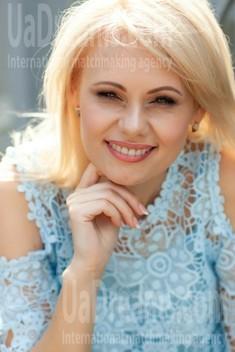 Alyona from Kremenchug 43 years - Warm-hearted girl. My small public photo.