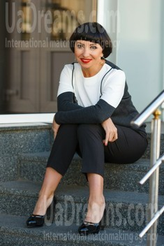 Irina from Kremenchug 46 years - wants to be loved. My small public photo.