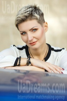 Oksana from Kremenchug 35 years - beautiful woman. My small public photo.