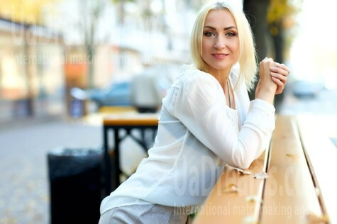 Alina from Kremenchug 42 years - kind russian girl. My small public photo.