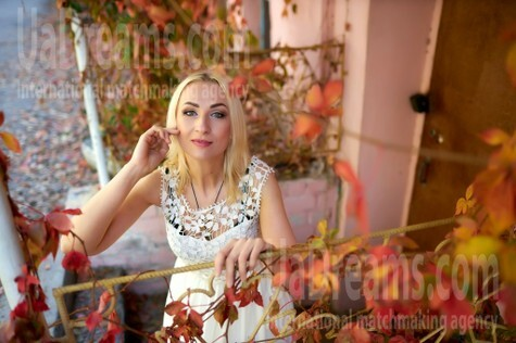 Alina from Kremenchug 42 years - lovely girl. My small public photo.