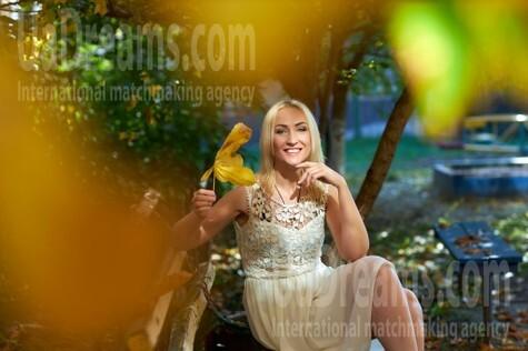 Alina from Kremenchug 42 years - soft light. My small public photo.