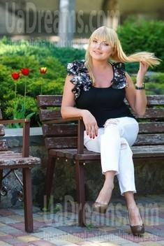 Elmira from Kremenchug 44 years - Music-lover girl. My small public photo.