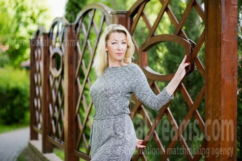Lyuda from Lutsk 38 years - eyes with love. My small public photo.