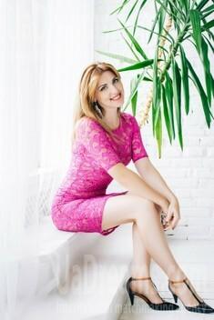 Natasha from Lutsk 34 years - lovely girl. My small public photo.