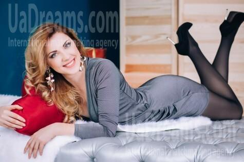 Natasha from Lutsk 35 years - romantic girl. My small public photo.