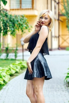 Lana from Lutsk 24 years - soft light. My small public photo.