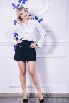 Lana from Lutsk 26 years - amazing girl. My small public photo.