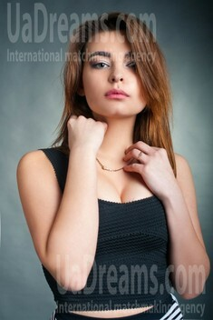 Olya from Cherkasy 18 years - loving woman. My small public photo.