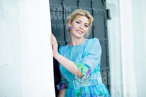 Inna from Sumy 31 years - ukrainian woman. My small public photo.