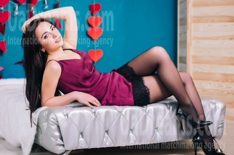 Vika from Lutsk 28 years - ukrainian bride. My small public photo.