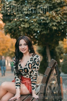 Vika from Lutsk 28 years - beautiful woman. My small public photo.