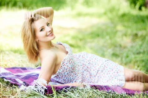 Ulyana from Ivanofrankovsk 22 years - want to be loved. My small public photo.