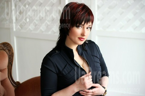 Anna from Zaporozhye 31 years - want to be loved. My small public photo.