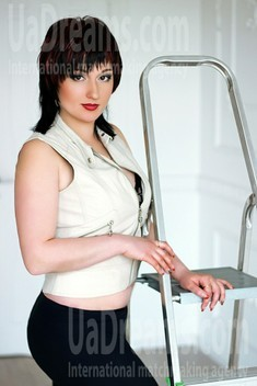 Anna from Zaporozhye 31 years - searching life partner. My small public photo.