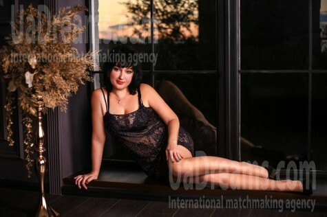 Anna from Zaporozhye 33 years - on a summer outing. My small public photo.