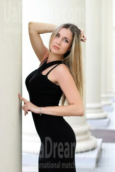 Irisha from Zaporozhye 33 years - favorite dress. My small public photo.