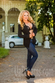Yulia from Odessa 30 years - soft light. My small public photo.