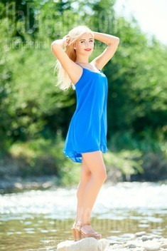Katya from Ivanofrankovsk 18 years - cool photo shooting. My small public photo.
