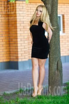 Tamila from Kremenchug 26 years - soft light. My small public photo.